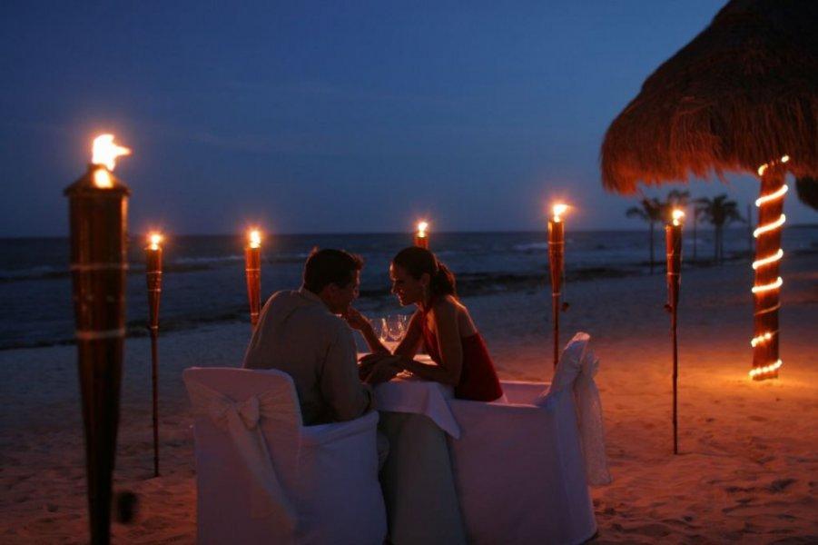 جلسات رومانسية على البحر , اروع الجلسات الرومانسيه على