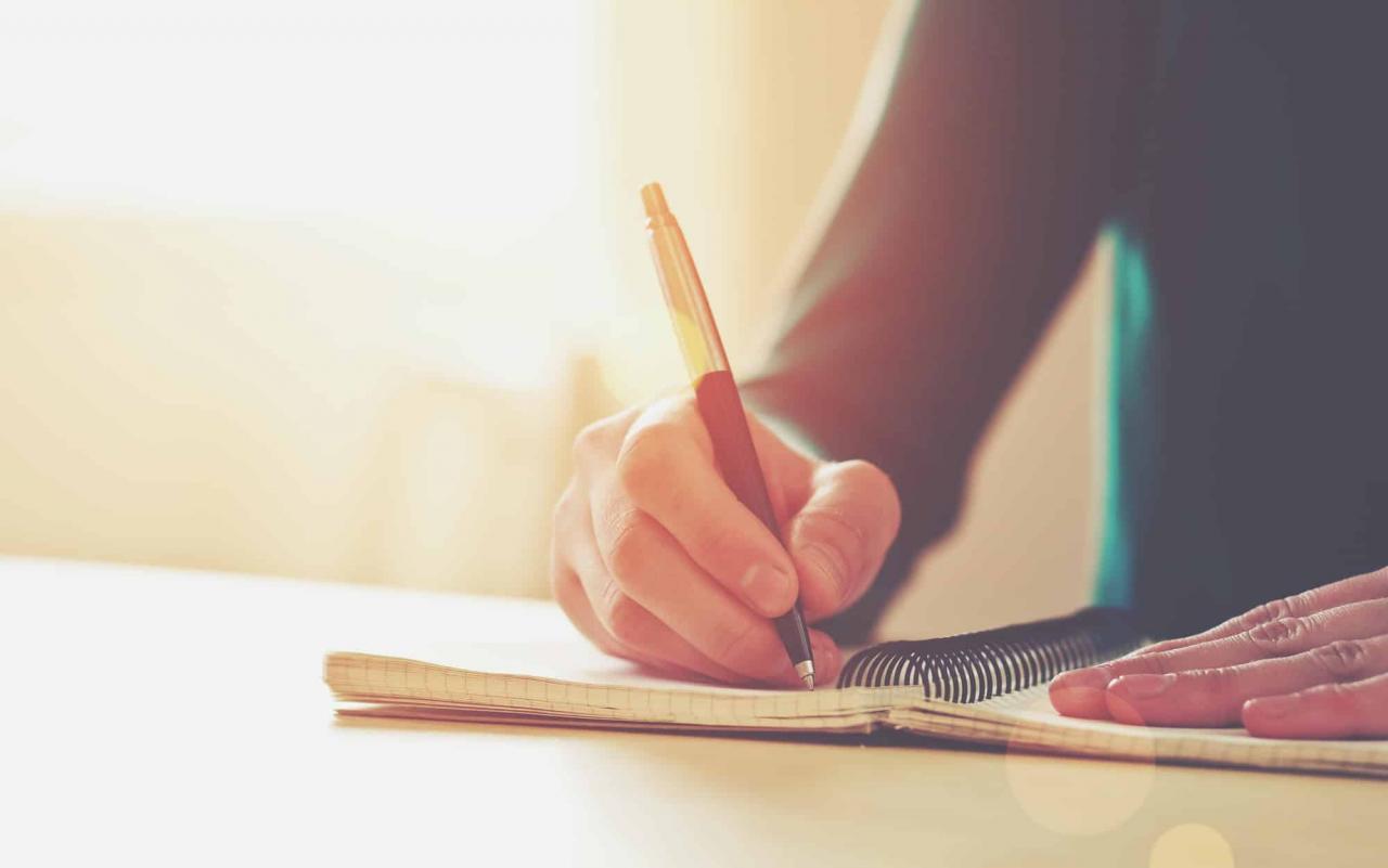 صورة كيفية كتابة موضوع تعبير للصف الرابع الابتدائى , ازاى تكتب موضوع تعبير ممتاز لرابعه ابتدائى