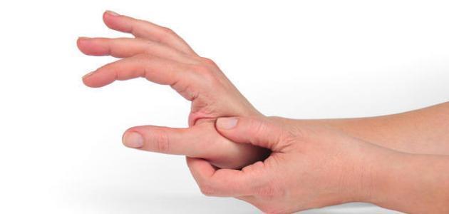 بالصور اسباب تنميل اليدين , لماذا تنمل اليد؟ 1691 1