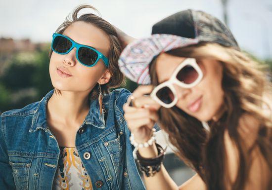 بالصور رؤية الصديقة في المنام , معني الاصدقاء في الحلم 4298 1