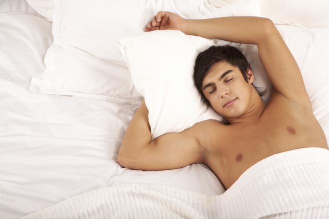 بالصور النوم عاريا في الاسلام , حكم خلع الملابس اثناء النوم 4352 1