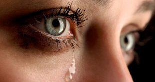 صورة سبب نزول دموع من عين واحدة , عين تبكى هل لها علاج
