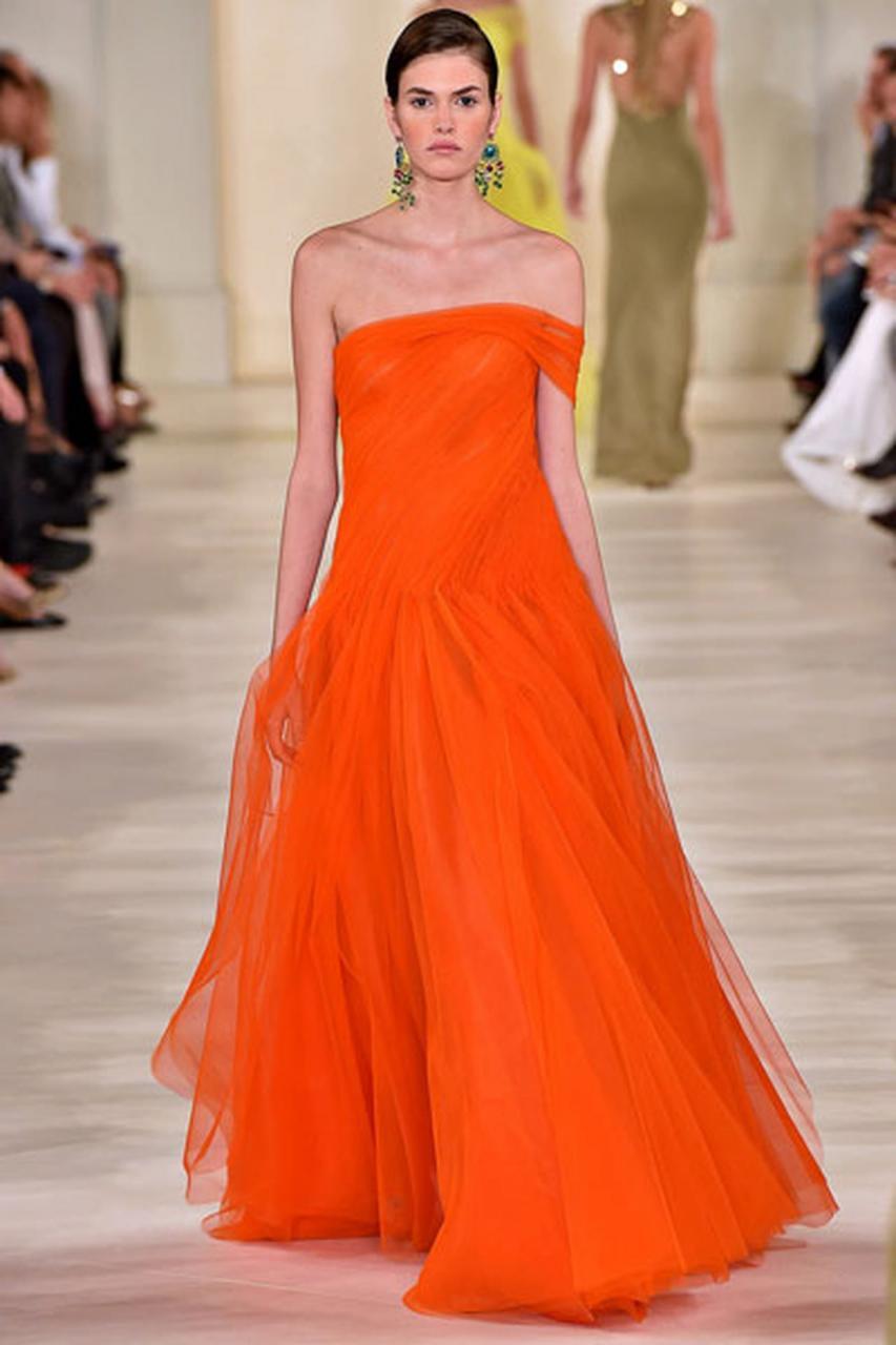 صور الفستان البرتقالي في المنام , تفسير احلام الفساتين