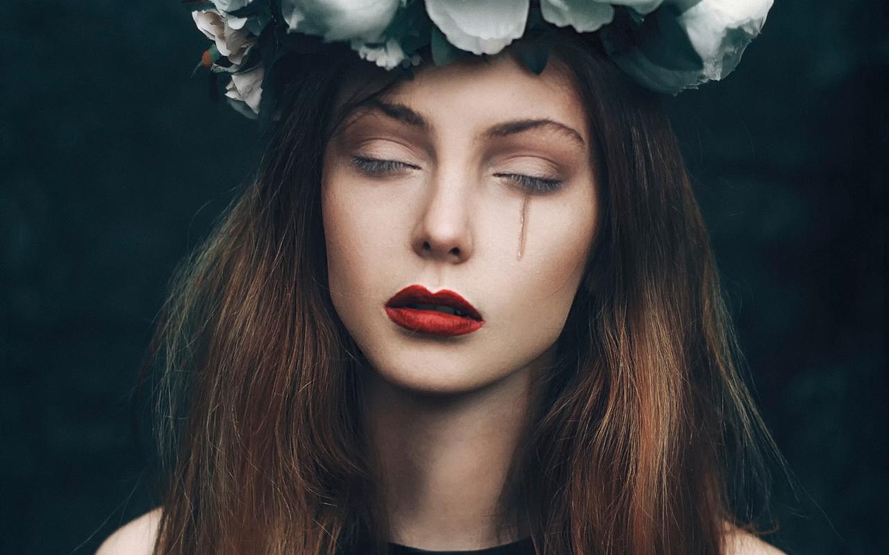 صورة صور بنات جميلات حزينه , تشكيله من البنات اللاتي تشعرن بخيبه الامل