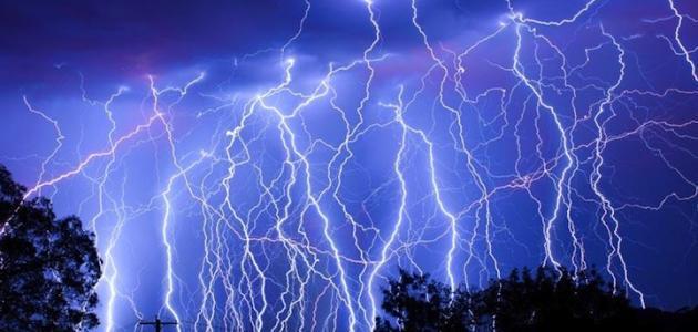 صورة تفسير البرق في الحلم , معني رؤية الضوء الذي يظهر فجاة في السماء