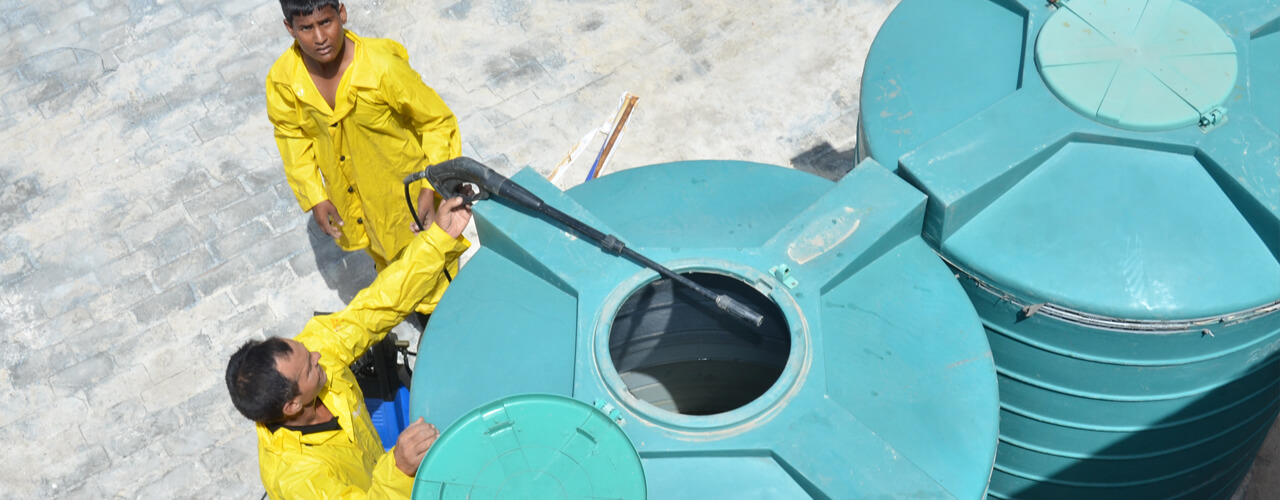 صور شركة غسيل خزانات بالطائف , شركات النظافة تتميز بسرعة فى الاداء