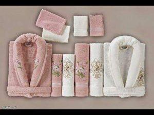 صورة ارواب الحمام للعرايس , مناشف الاستحمام للعرايس