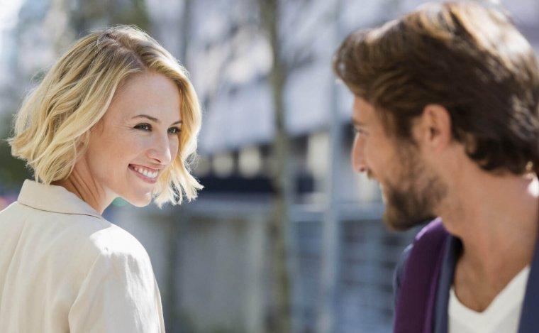 صورة نظرات اعجاب الرجل , كيف تعبر المراة للرجل بنظر اعجاب
