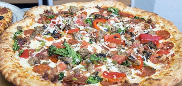 صورة طريقة عمل البيتزا باللحمة , اسهل طريقة لبيتزا اللحمة