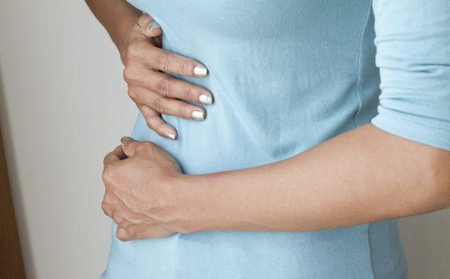 صورة هل وجع البطن من اعراض الحمل , الفرق بين مغص الحمل والحيض