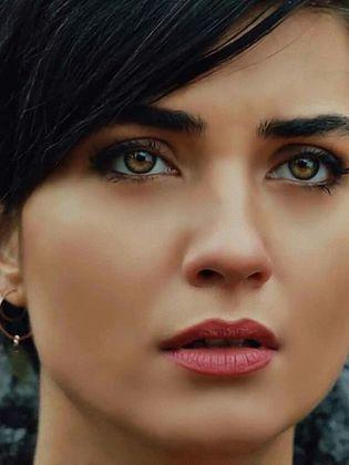 صورة صور الممثلة التركية توبا , خلفيات الممثلة توبا التركية