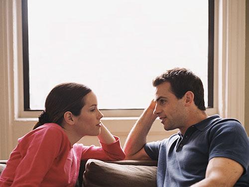 صورة كيف اعاتب زوجي , كيف عتاب الزوج بعد الزعل