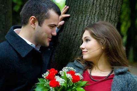 صورة الحب بين الرجل والمراة , لكل انسان يشعر بالحب