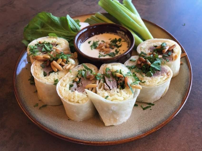صورة اكلة السوشي بالصور , غامر وكل السوشي