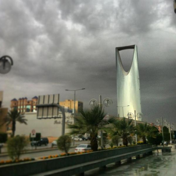 صورة صور امطار الرياض , جمال الشوراع بعد سقوط المطر