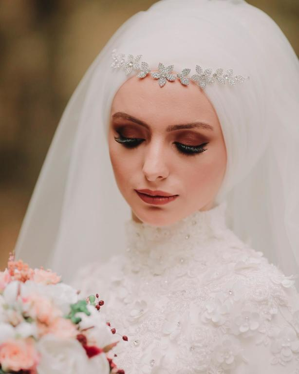 صورة صور لفات طرح زفاف , ملكة متوجة في ليلة العمر